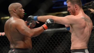 Photo of Miocic reclaims heavyweight title with knockout win over Cormier