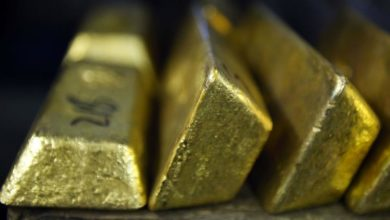 Photo of Spooked investors turn to gold