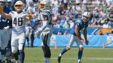 Photo of Vinatieri's 'lousy' day costs Colts, Brissett victory